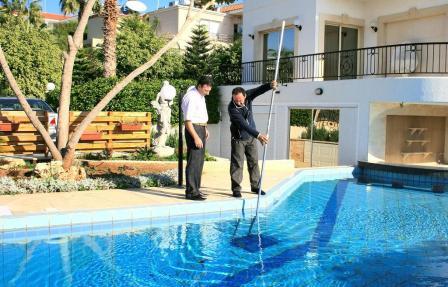 Как правильно ухаживать за бассейном